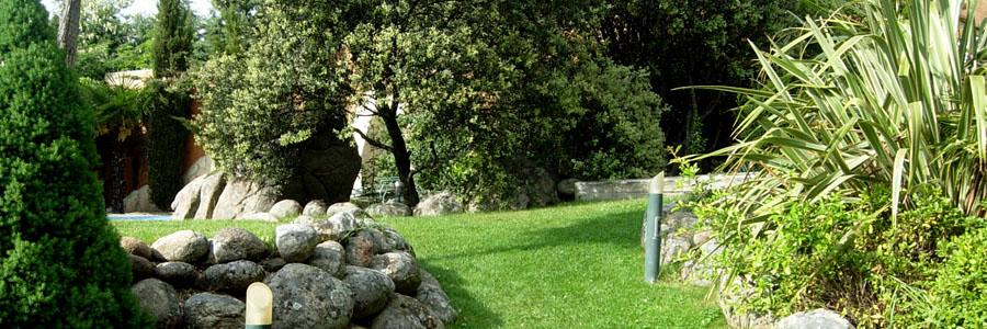 mijardinfacil.com. Vista jardín unifamiliar.
